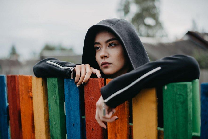 Разноцветный заборчик