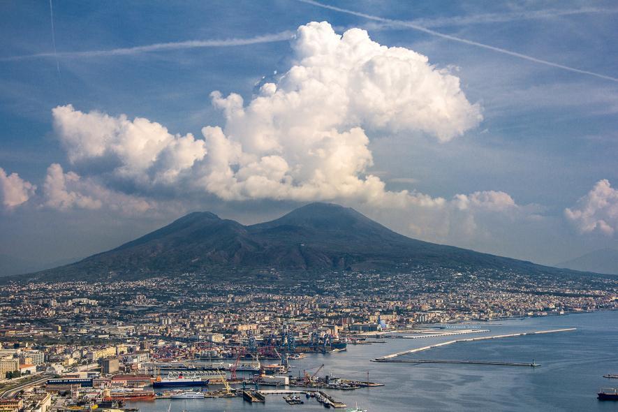Панорамный вид на Неаполь
