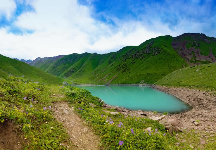 Озеро Кол-Тор, ущелье Кегеты