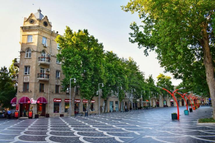 Улица торговая, площадь фонтанов