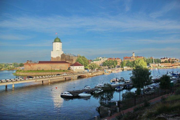 Крепость европейского типа — Выборгский замок.