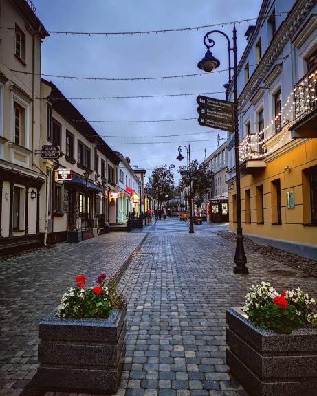 Улицы Комсомольская и Немига