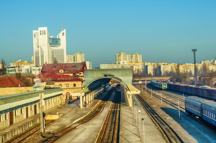 Перрон железнодорожной станции