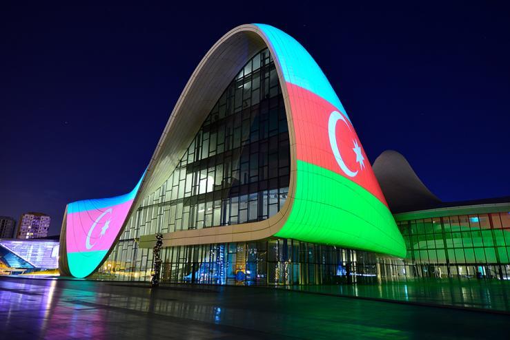Вид на центр лидера Азербайджана Гейдара Алиева