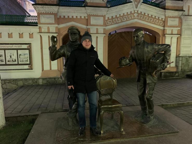 Памятник киногероям